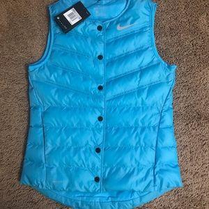 NWT women's Nike vest xs